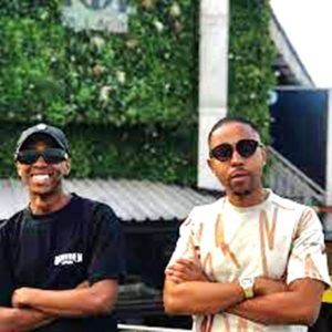 Download Mp3 ; Mr JazziQ, Mellow and Sleazy, Mdu Aka TRP – Fake People ft M.J , Ma-Ten & Kay Invictus